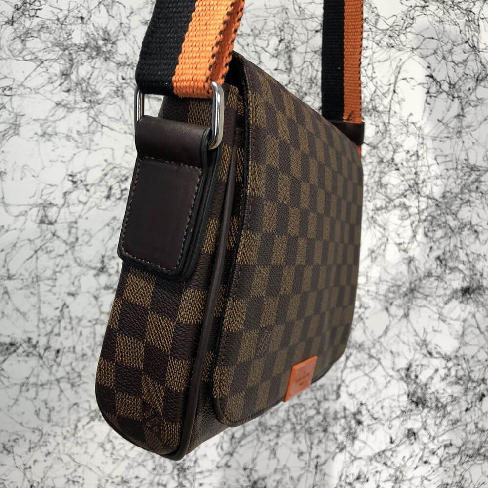 Messenger Louis Vuitton District MM Damier Ebene  1 000 грн. - Сумки ... da70005f53b