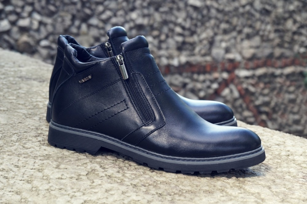 Мужские черные кожаные ботинки V1 2