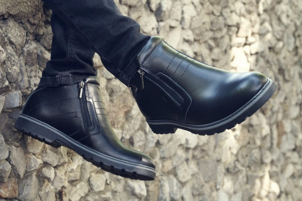 Мужские черные кожаные ботинки V1 3